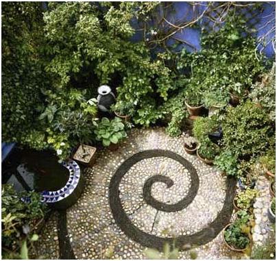 Góc vườn xinh bằng nghệ thuật mosaic