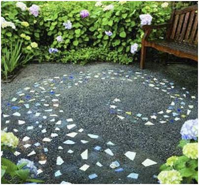 Góc sân vườn xinh với nghệ thuật mosaic
