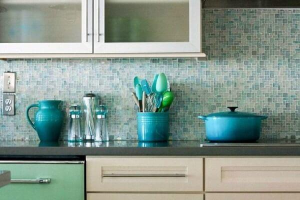gạch mosaic ốp phòng bếp đẹp màu xanh
