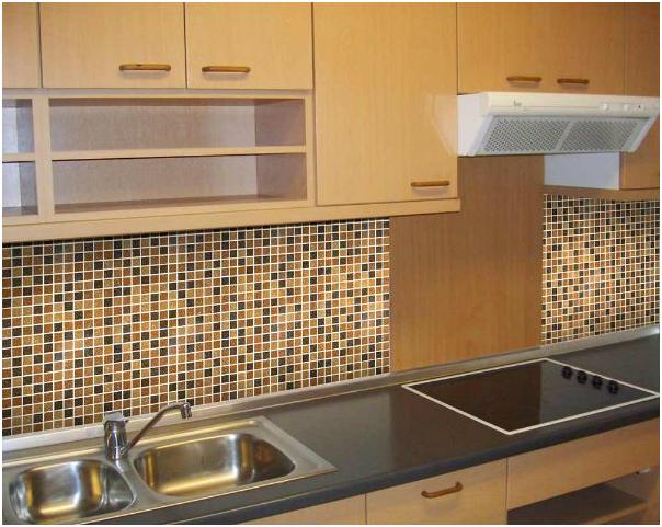 Gạch Mosaic ốp bếp phù hợp với người mệnh Thổ