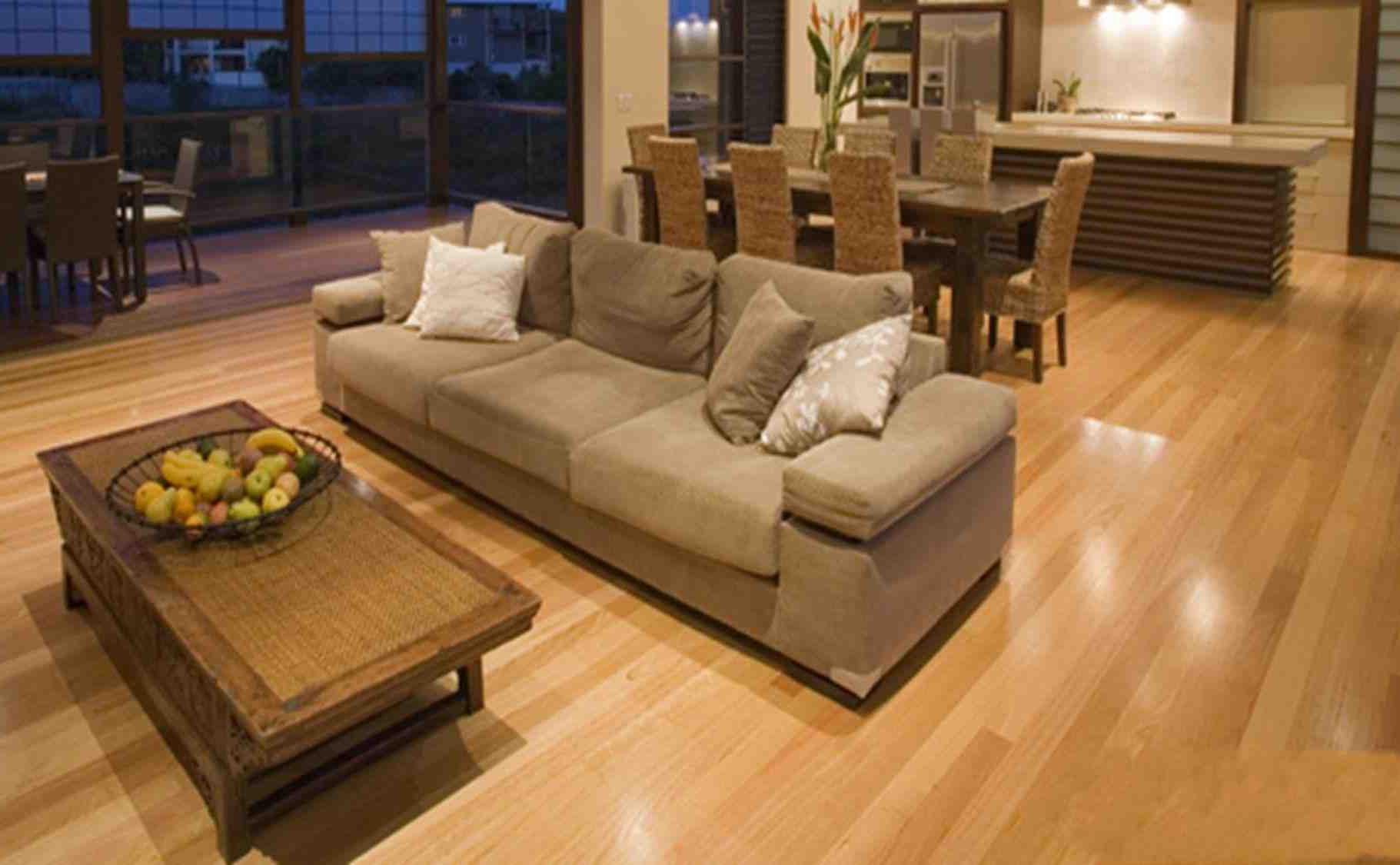 Sàn nhựa giả gỗ màu sáng cho không gian rộng mở hơn