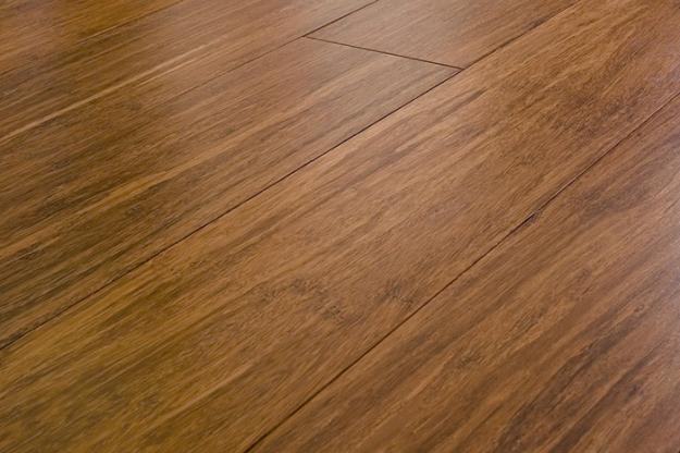 Nên lát sàn gỗ hay sàn nhựa giả gỗ