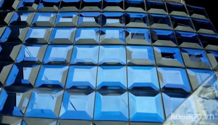 gach-mosaic-kim-cuong-vat-canh-mau-xanh
