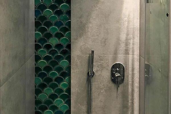 gạch mosaic vảy cá ốp phòng tắm