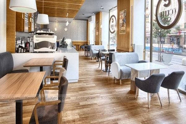 Sàn nhựa mang lại vẻ đẹp hiện đại sang trọng cho quán cafe