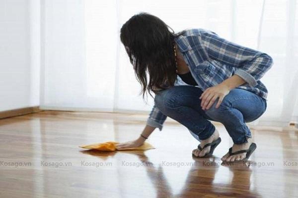 Cách tẩy vết sơn trên nền nhà như thế nào
