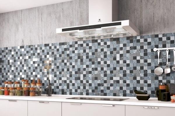 gạch mosaic ốp phòng bếp đẹp trắng đen