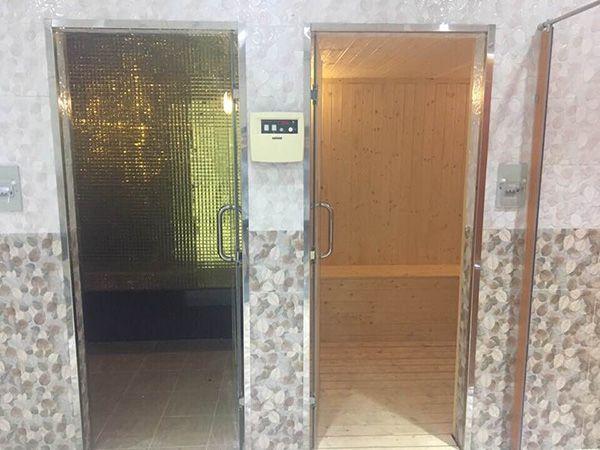 Ốp gạch Mosaic kim cương cho công trình xông hơi tại bệnh viện Hồng Đức
