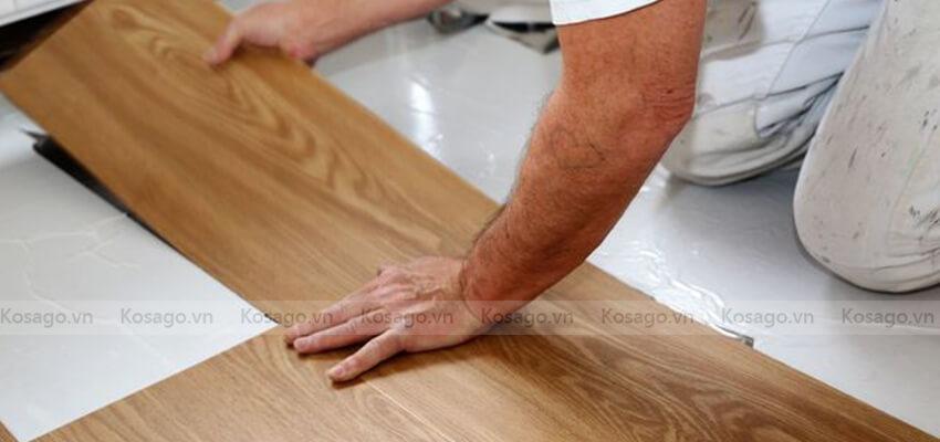 Thi công sàn nhựa giả gỗ trong nhà BD2309