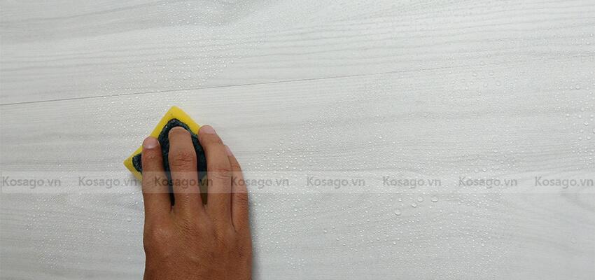 Sàn nhựa trong nhà BD2310 dễ dàng vệ sinh