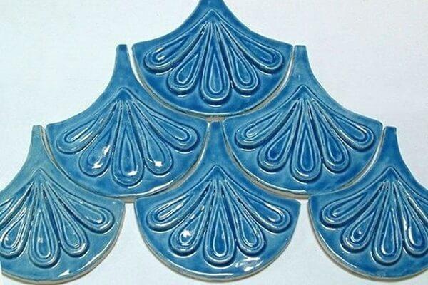 gạch mosaic vảy cá men nổi