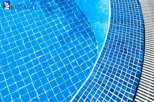 gạch mosaic ốp lát bể bơi