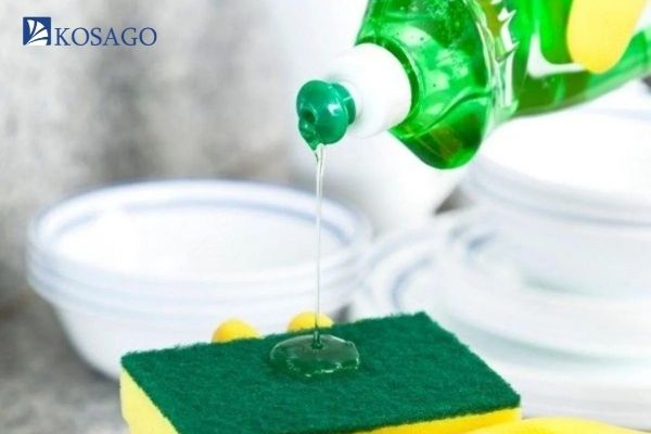 có thể dùng nước rửa chén để làm sjach