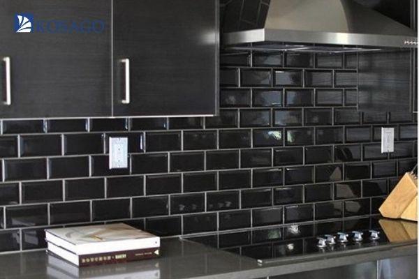 màu đen tạo nên sự huyền bí cuốn hút cho công trình